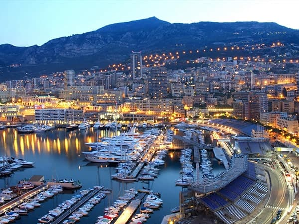 Prix du transport de nuit à Cannes et sa région