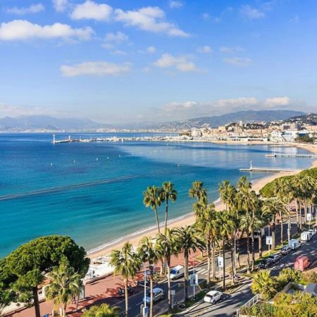 Tous vos déplacements en VTC sur Cannes et le bord de mer