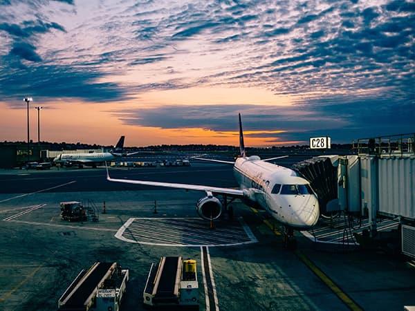 Navette VTC entre Cannes et les aéroports de Nice, Toulon et Marseille