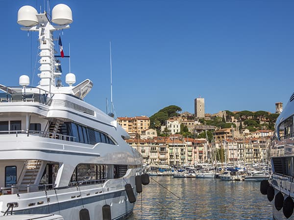 Navettes VTC entre Cannes et les ports et marinas de la Côte-d'Azur
